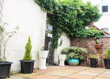 Thumbnail 2 bedroom flat for sale in Park Lane, Swindon
