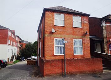 Thumbnail 2 bed flat to rent in Baker Street, Reading, Berkshire