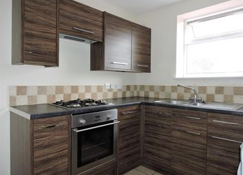 Thumbnail 1 bed flat to rent in Springfield Close, Croxley Green, Rickmansworth