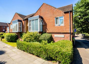 Thumbnail 2 bed flat to rent in Riverside, Marlow