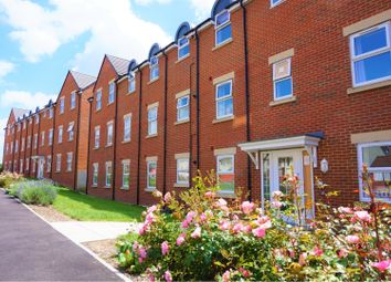 Thumbnail 1 bed flat for sale in Cloatley Crescent, Swindon