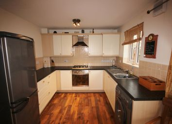 3 bed detached house to rent in Queen Mary Rise, Sheffield S2