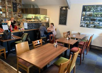 Thumbnail Restaurant/cafe for sale in Cafe & Sandwich Bars DN5, Arksey, South Yorkshire