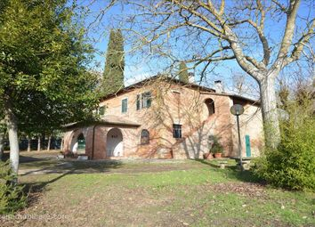 Thumbnail 3 bed farmhouse for sale in Strada Provinciale Chiana, Chianciano Terme, Tuscany