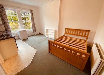 Thumbnail Studio to rent in Haslemere Road, Crouch End