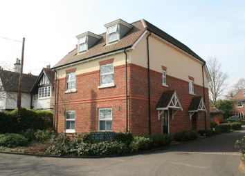 Thumbnail 2 bed flat for sale in Sandpipers Place, Cookham, Maidenhead