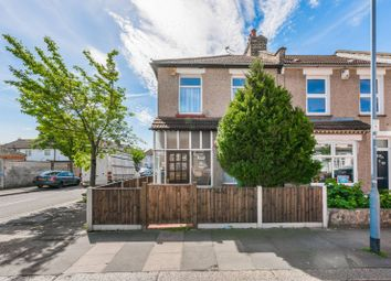 Thumbnail 2 bed property to rent in Roman Road, Ilford