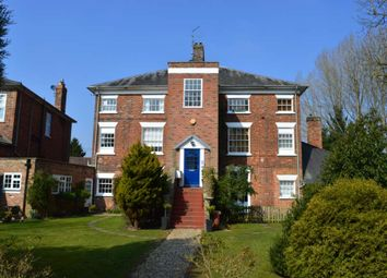 Thumbnail 2 bed flat to rent in Charnham Court, Hungerford