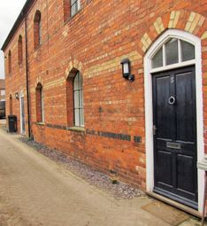 Thumbnail 2 bed town house to rent in Kidgate, Louth