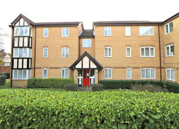 2 bed flat for sale in Britton Close, Catford, London SE6