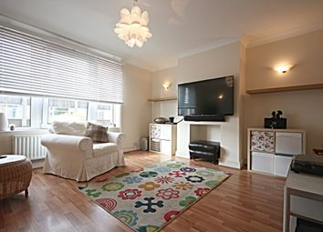 Thumbnail 3 bed flat to rent in Park Terrace Courtyard, Park Terrace East, Horsham