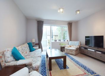 3 bed maisonette to rent in Coniston Close, Hartington Road, London W4