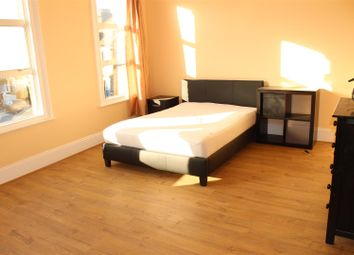 4 bed terraced house to rent in Cairo Road, London E17