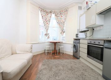 Thumbnail 2 bed flat to rent in Clonbrock Road, Stoke Newington