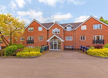 Thumbnail 2 bed flat for sale in Cobbetts Ride, Tring