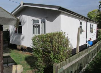 Thumbnail 2 bed mobile/park home for sale in Grovelands Park (Ref 6041), Winnersh, Wokingham, Berkshire