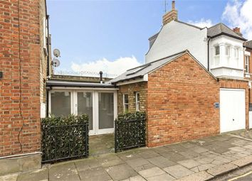 Thumbnail 2 bed flat to rent in Wilton Avenue, London