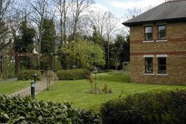 Thumbnail 1 bed flat to rent in Vansittart Road, Windsor, Berkshire