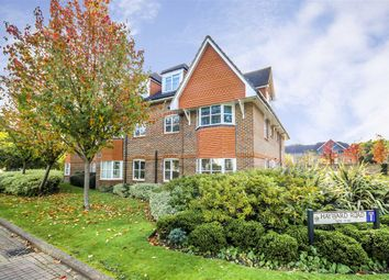 Thumbnail 2 bed flat to rent in Hayward Road, Thames Ditton