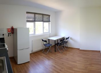 Thumbnail 1 bed flat to rent in Glebe Crescent, Hendon