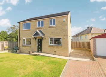 Clough Lane, Brighouse HD6. 3 bed detached house
