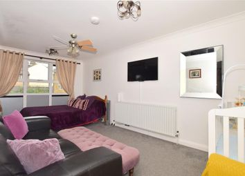 1 bed flat for sale in Frindsbury Road, Strood, Rochester, Kent ME2