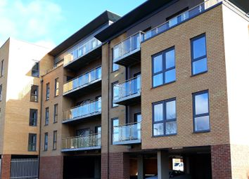 Thumbnail 2 bed flat to rent in Hannover Way, Windsor