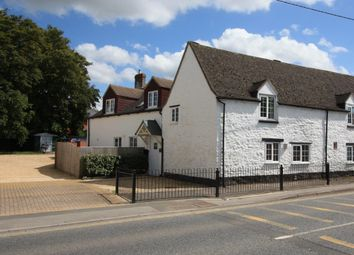 Thumbnail 4 bed cottage for sale in Lechlade Road, Highworth