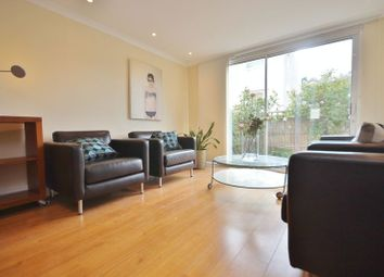 3 bed flat to rent in Barleycorn Way, London E14