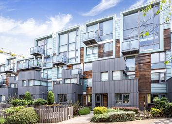 Thumbnail 2 bedroom flat for sale in Peacock Place, London
