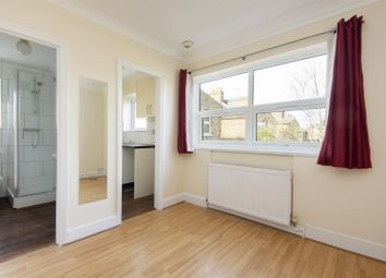 Thumbnail 1 bed flat to rent in Holly Road, London