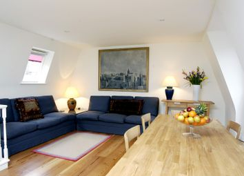 2 bed maisonette to rent in St Lukes Mews, London W11