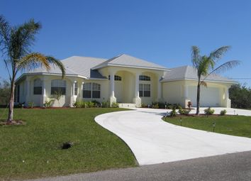 Thumbnail 4 bed villa for sale in Rotonda West, Florida, United States