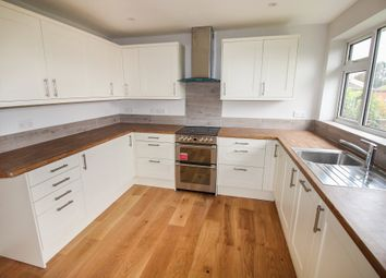 2 bed maisonette for sale in Walton Road, East Molesey KT8
