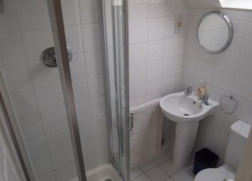 Thumbnail 2 bed flat to rent in Seymour Road, Finchley, London