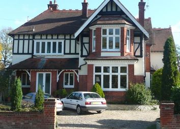 Thumbnail 1 bed flat to rent in Belmont Park Avenue, Maidenhead