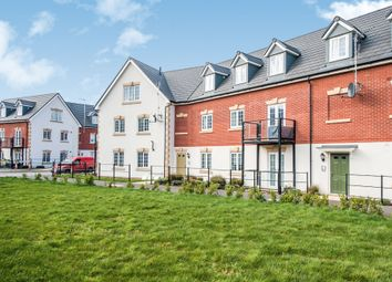 Thumbnail 2 bed flat for sale in Ampthill Way, Faringdon