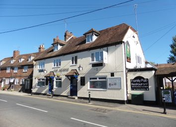 Thumbnail Pub/bar for sale in Benover Road, Kent : Yalding