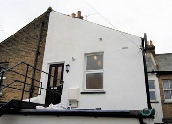 Thumbnail 2 bed flat to rent in Broadway, Leigh On Sea, Essex