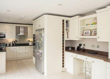 2 bed maisonette to rent in Hogarth Court, Batty Street, London E1