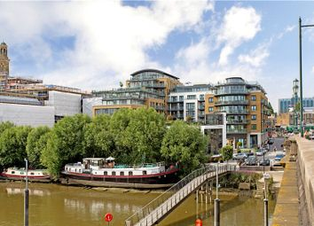 Thumbnail 2 bed flat for sale in Kew Bridge, Brentford