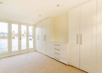 Thumbnail 4 bed property to rent in Allingham Street, Islington
