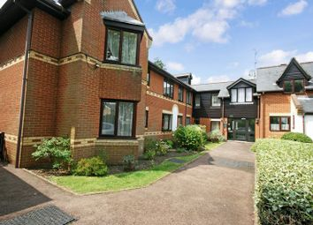 Thumbnail 2 bedroom flat for sale in Regency Heights, Reading