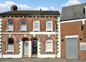 3 bed terraced house to rent in Victoria Street, Dunstable LU6