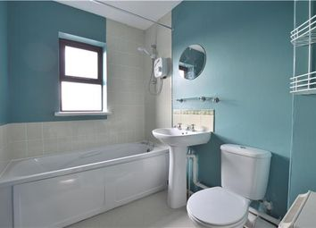 Thumbnail 1 bed flat to rent in Lumley Road, Horley, Surrey