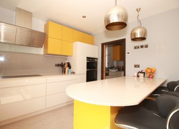 Thumbnail 7 bed terraced house to rent in Helena Road, Dollis Hill