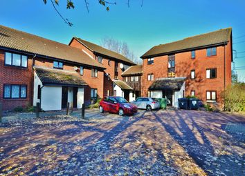 Thumbnail 1 bed flat to rent in Exeter Court, Didcot