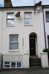 Thumbnail 1 bed property to rent in Park Street, Slough