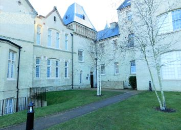 Thumbnail 2 bed flat to rent in Kingsley Avenue, Hitchin, Hertfordshire