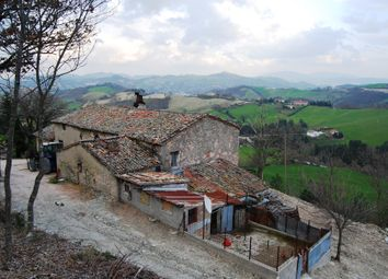 Thumbnail Farmhouse for sale in Sant'andrea, Urbania, Pesaro And Urbino, Marche, Italy